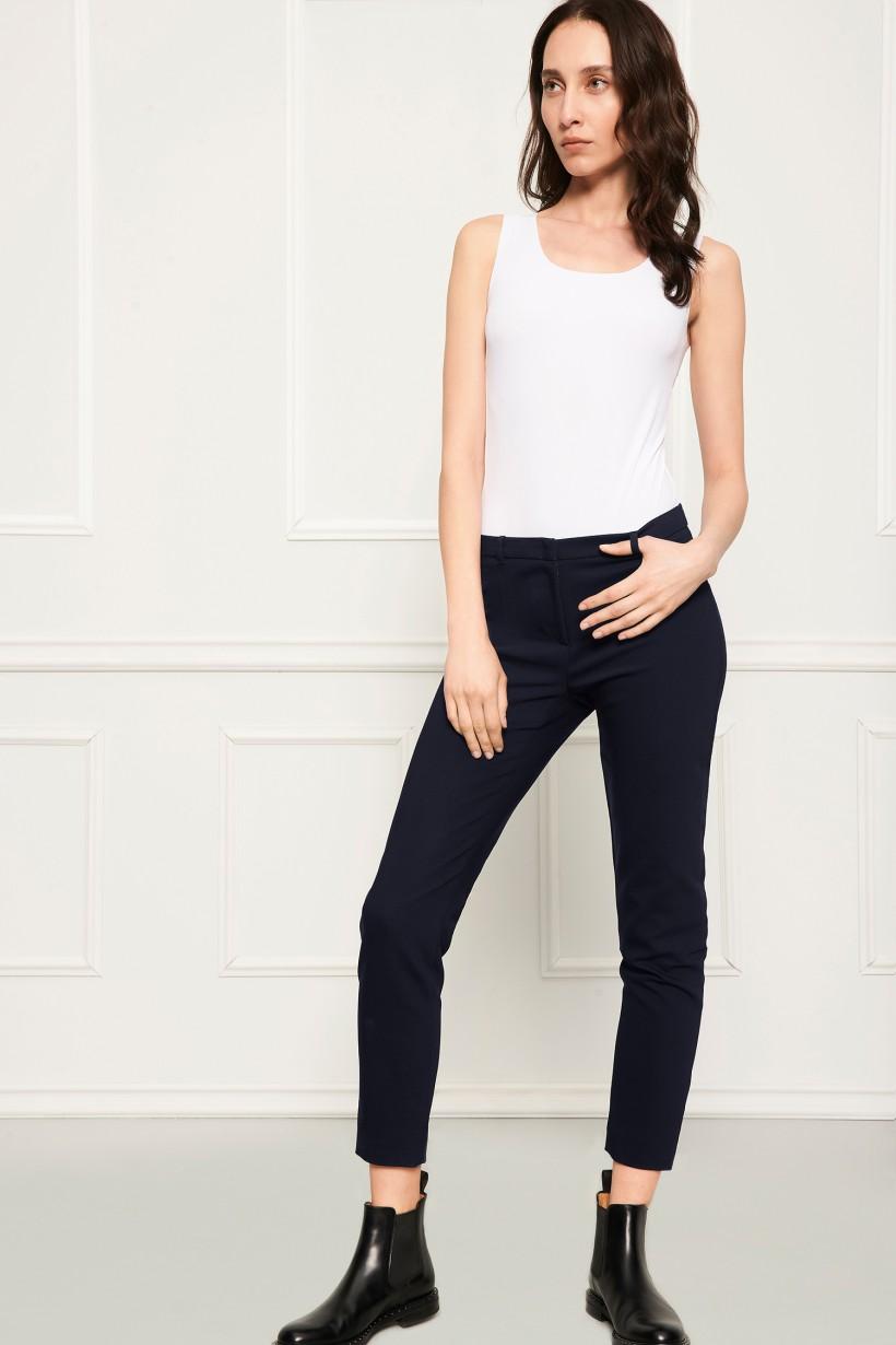 Granatowe klasyczne spodnie z wąską nogawką model dopasowany