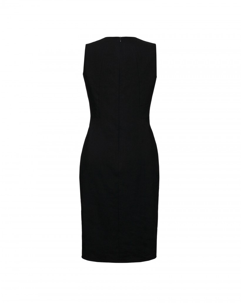 Dopasowana sukienka w kolorze czarnym