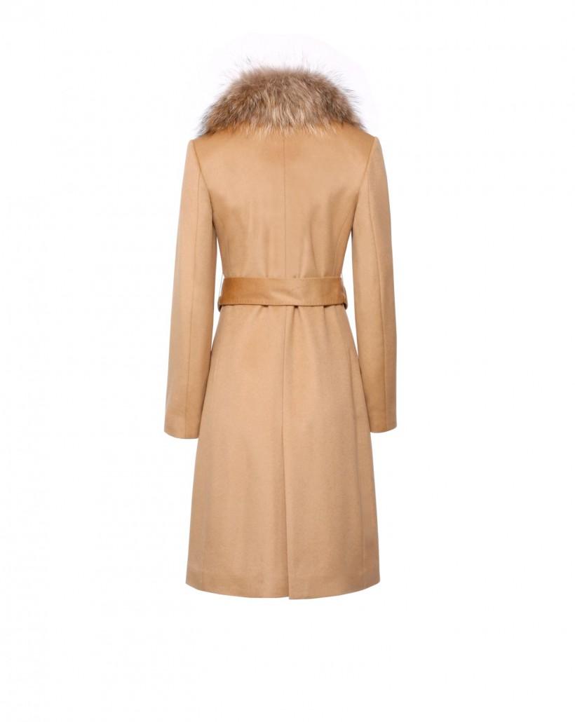 Kaszmirowy płaszcz z kolorze kamelowym