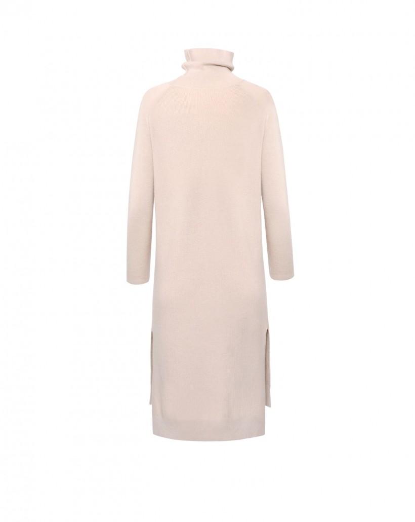 Dzianinowa sukienka w kolorze beżowym