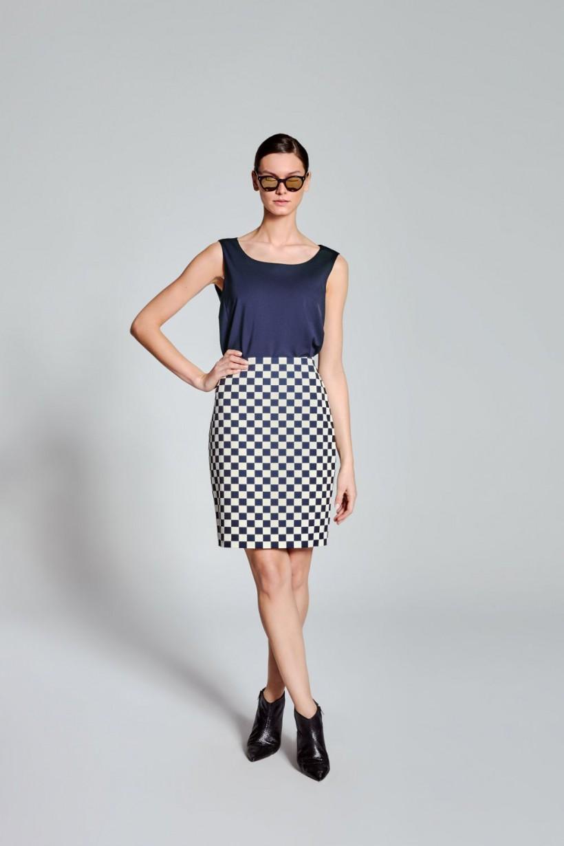 Ołówkowa spódnica w szachownicę