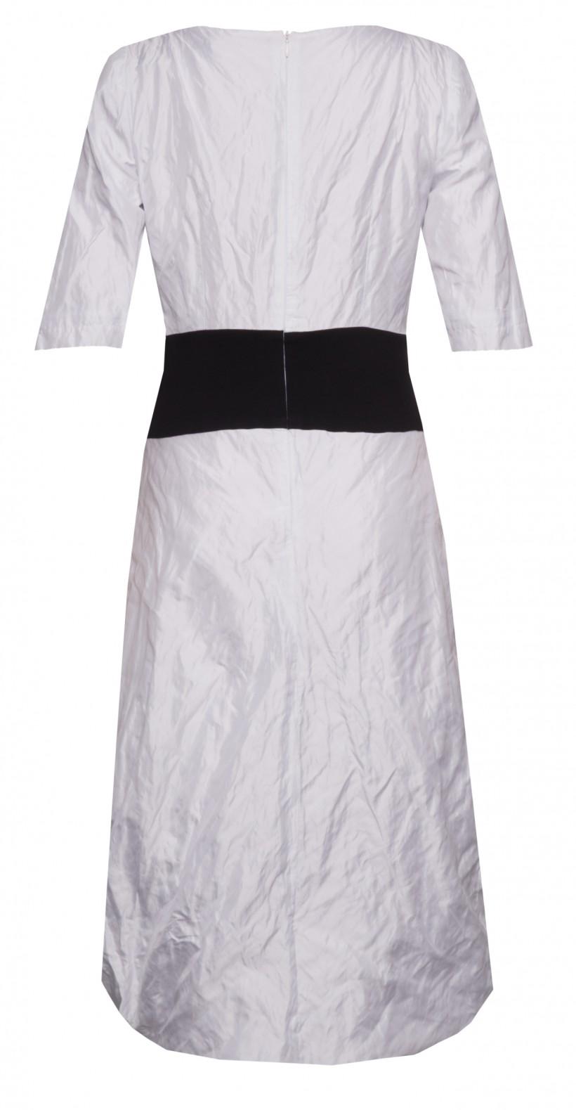 Sukienka z kontrastowym pasem