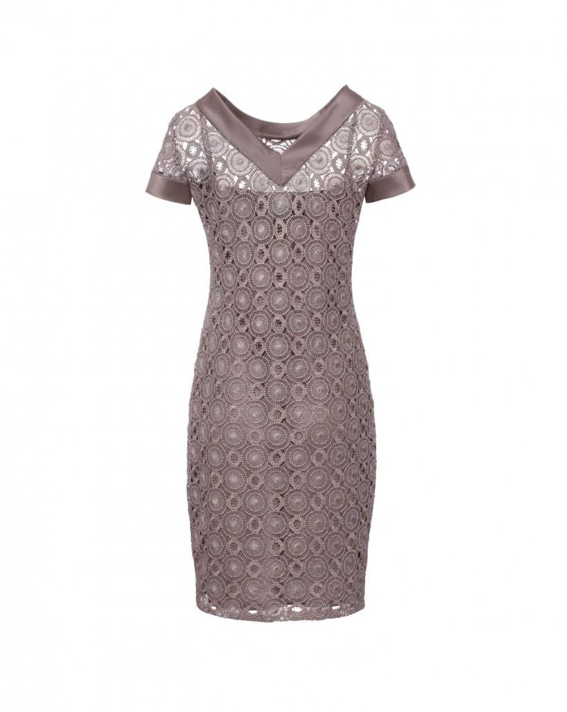 Wieczorowa sukienka z koronki gipiurowej