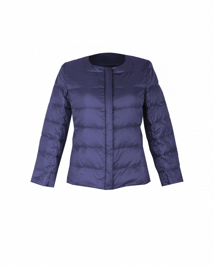Granatowa kurtka puchowa z krytą plisą