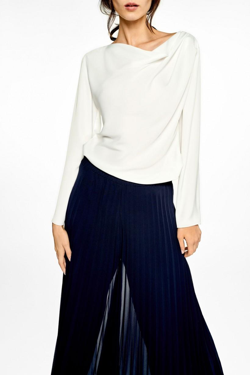 Elegancka bluzka z satynowej tkaniny off white