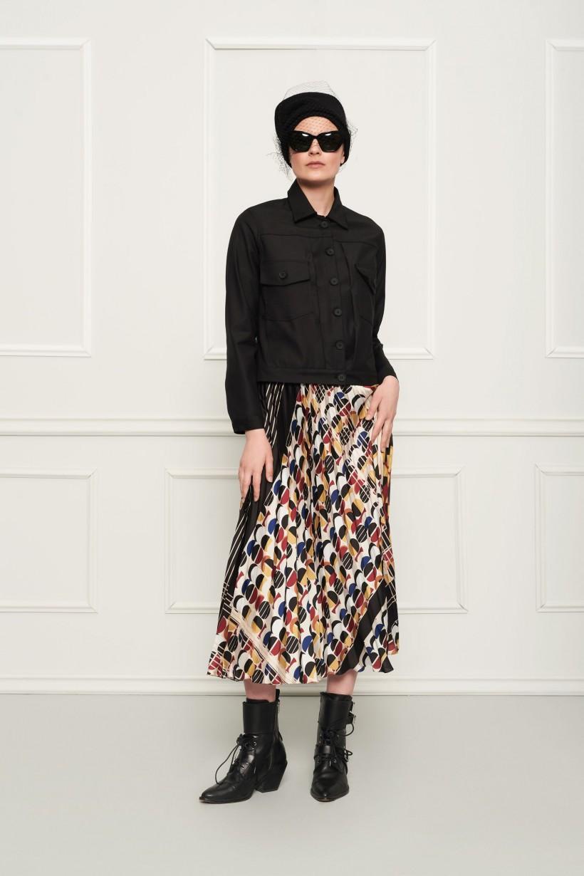 Plisowana spódnica z geometrycznym printem