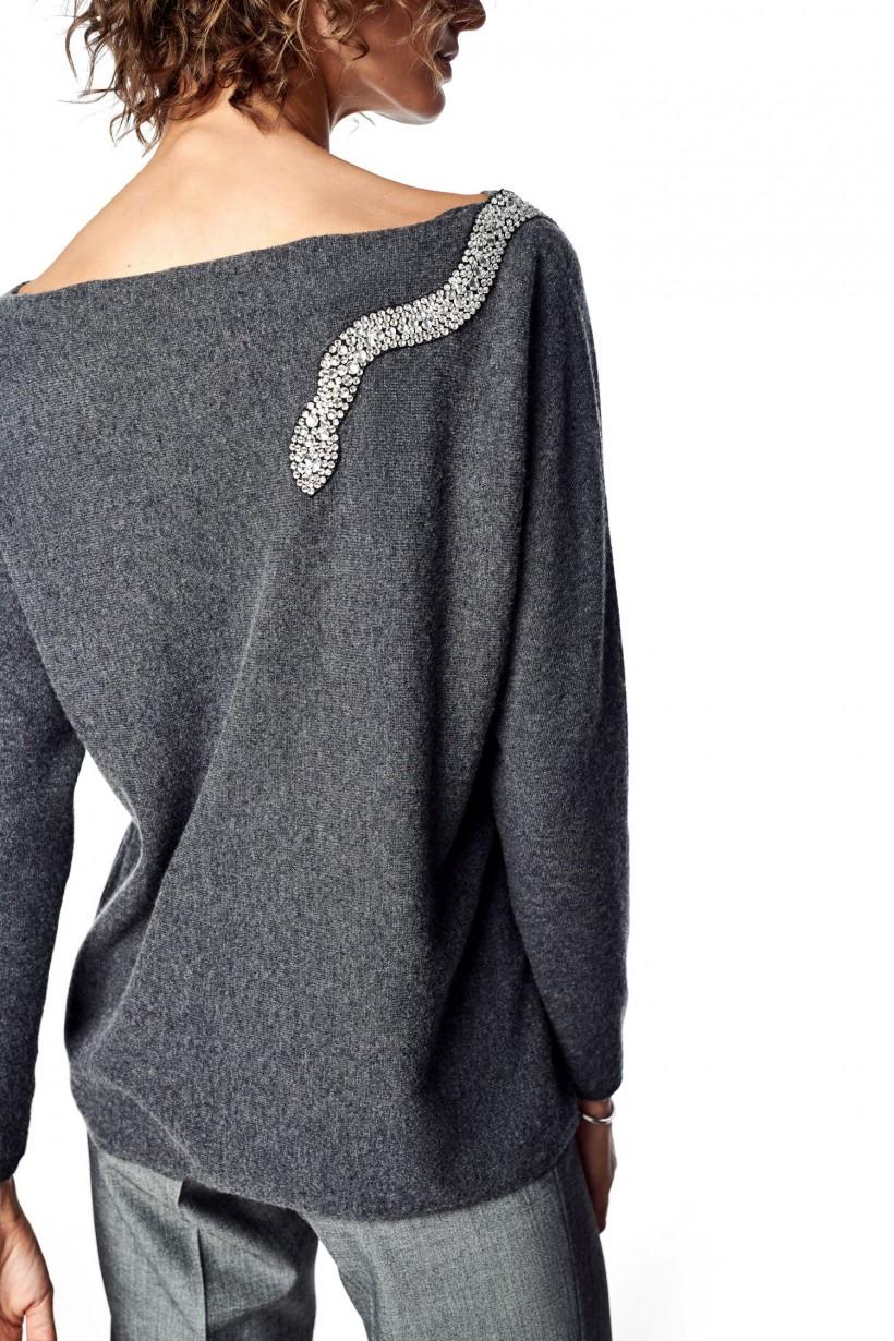 Wełniany sweter z aplikacją