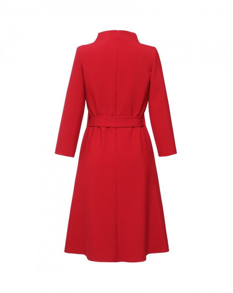 Czerwona sukienka z paskiem z rozkloszowanym dołem