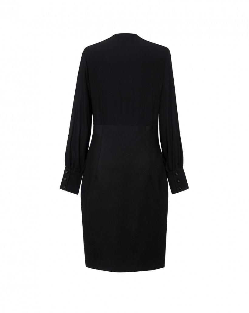 Elegancka czarna sukienka z kopertową górą i ozdobnymi guzikami