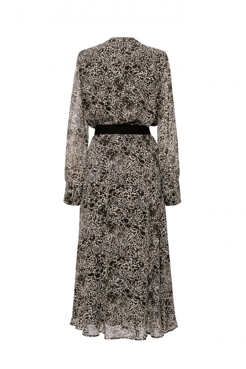 Długa sukienka z dekoltem