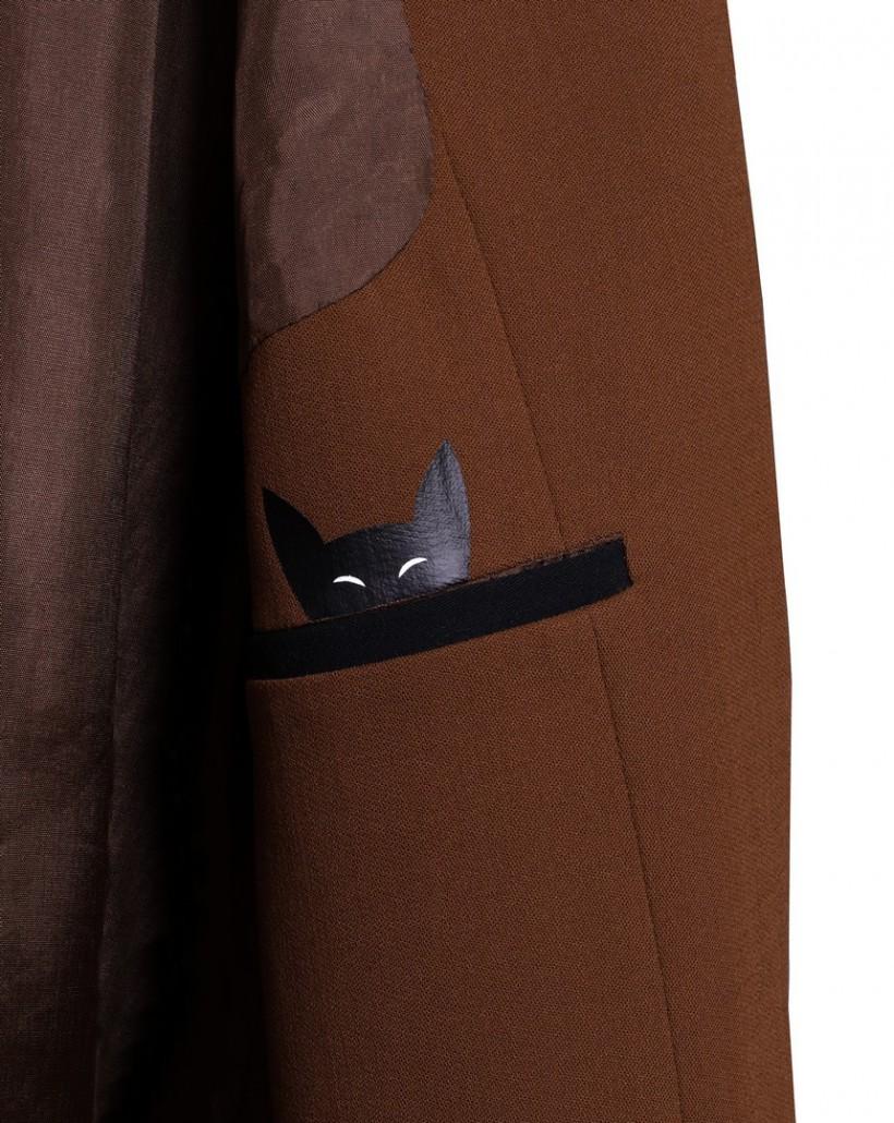 Klasyczny żakiet w kolorze jasnobrązowym
