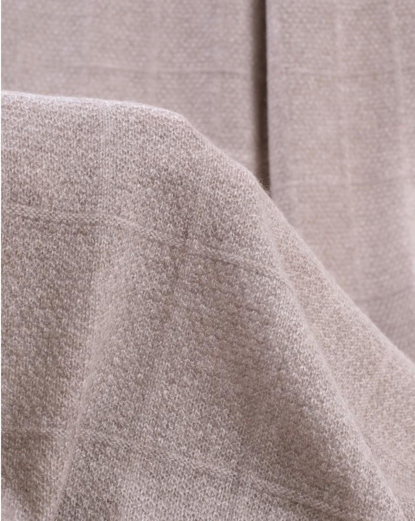 Kaszmirowy ciepły szal w kolorze beżowym