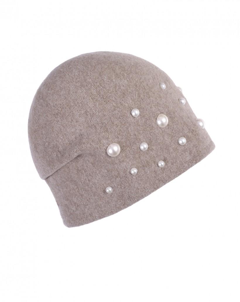 Beżowa czapka z wełny