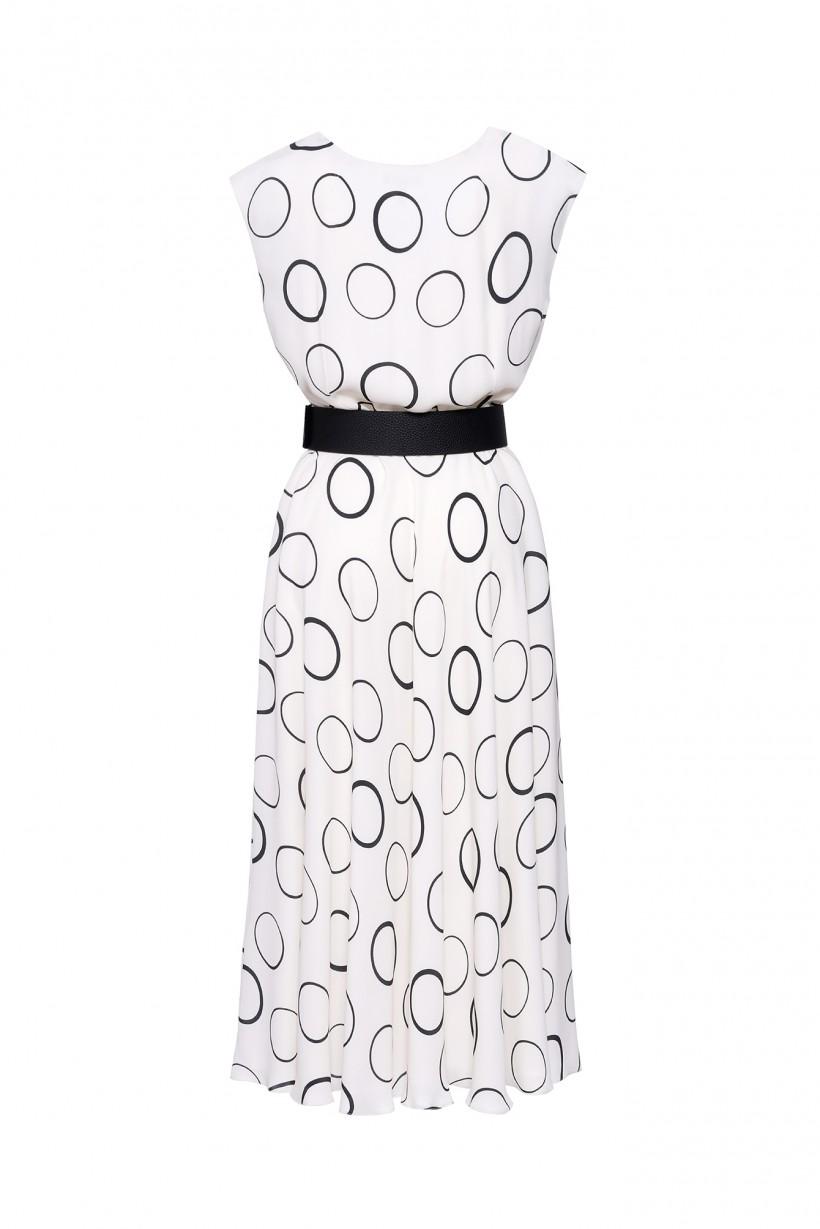 Długa sukienka w koła z kontrastowym paskiem