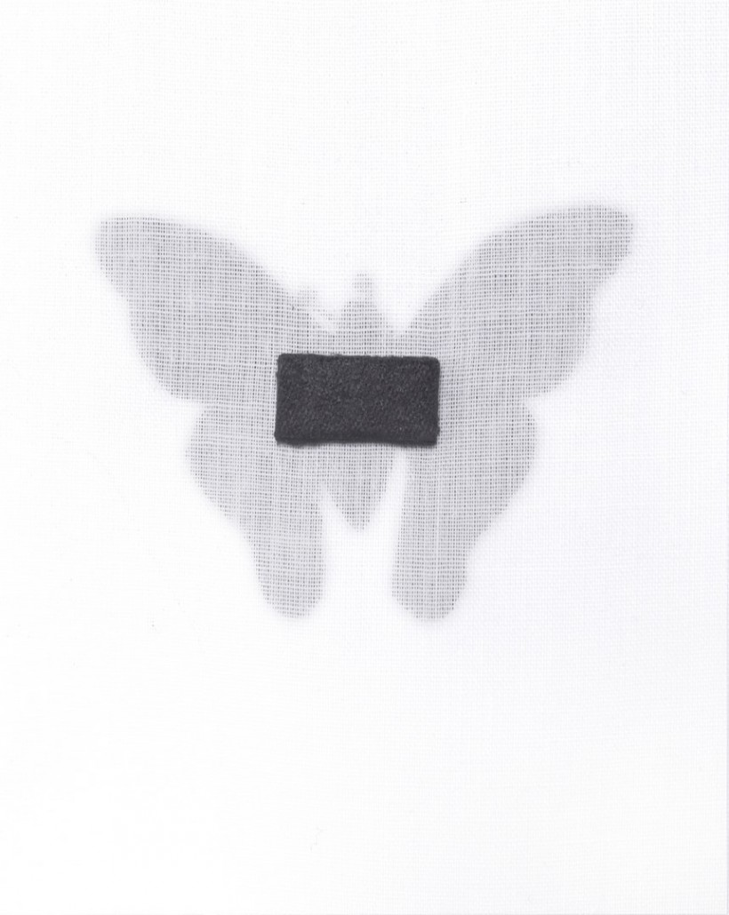 Biżuteryjna broszka w kształcie motyla
