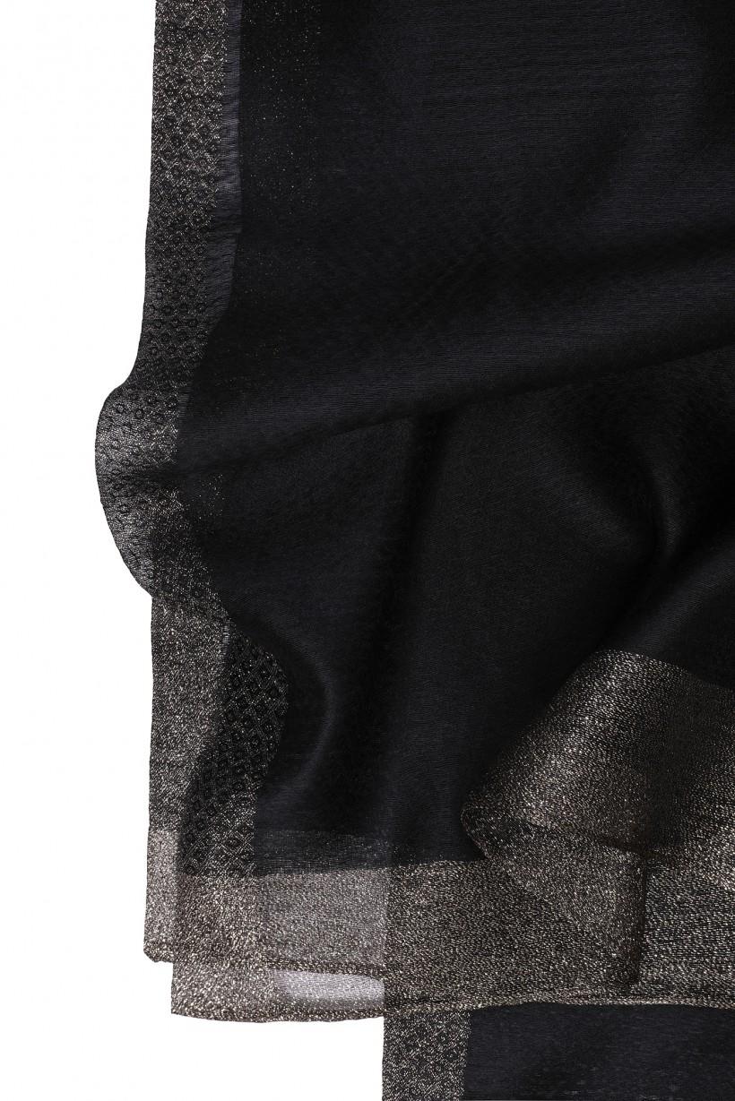 Elegancki szal w kolorze czarnym ze złoconym brzegiem