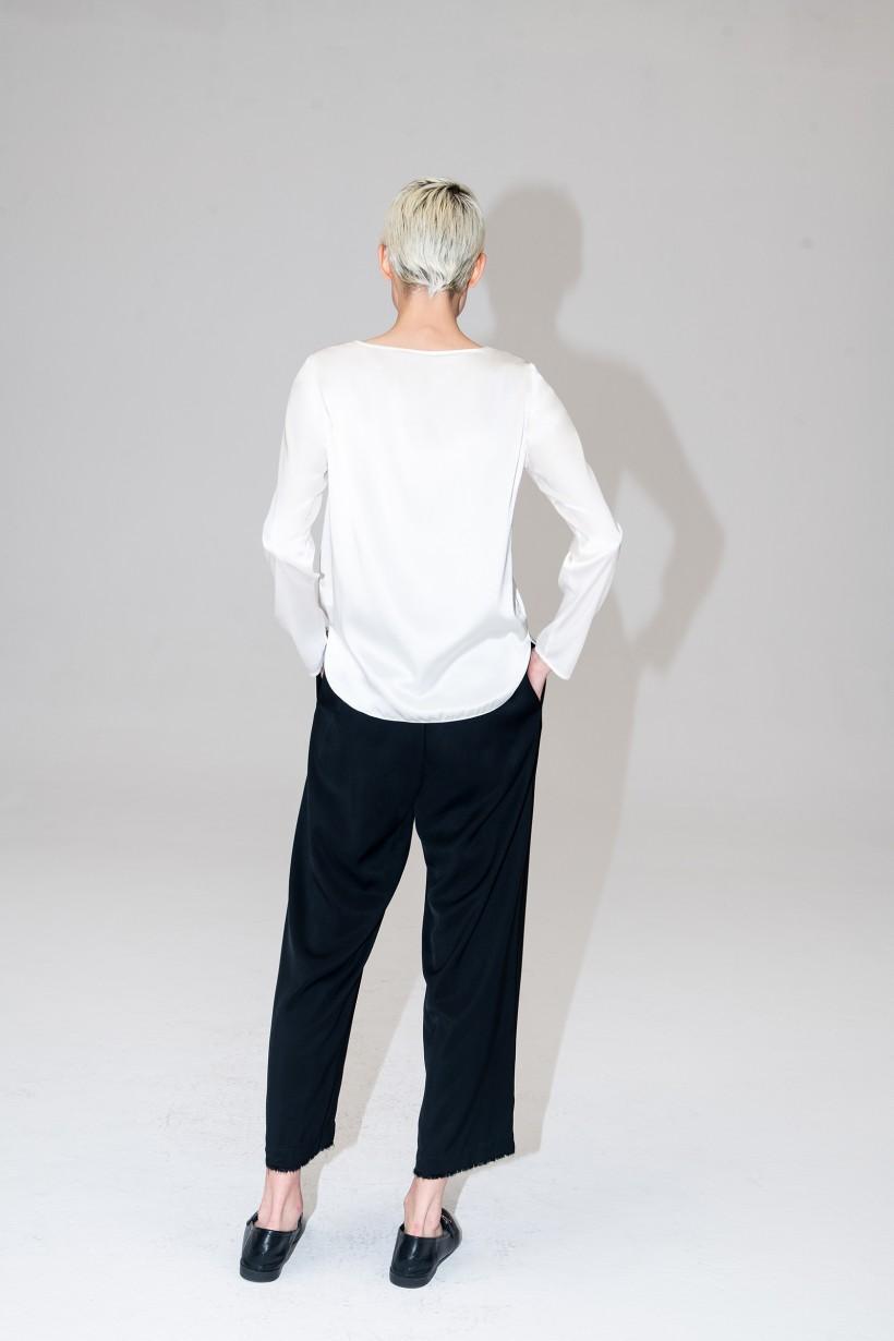 Czarne spodnie o luźnym fasonie