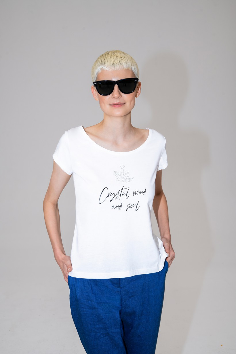 Biały T-shirt z połyskującym nadrukiem