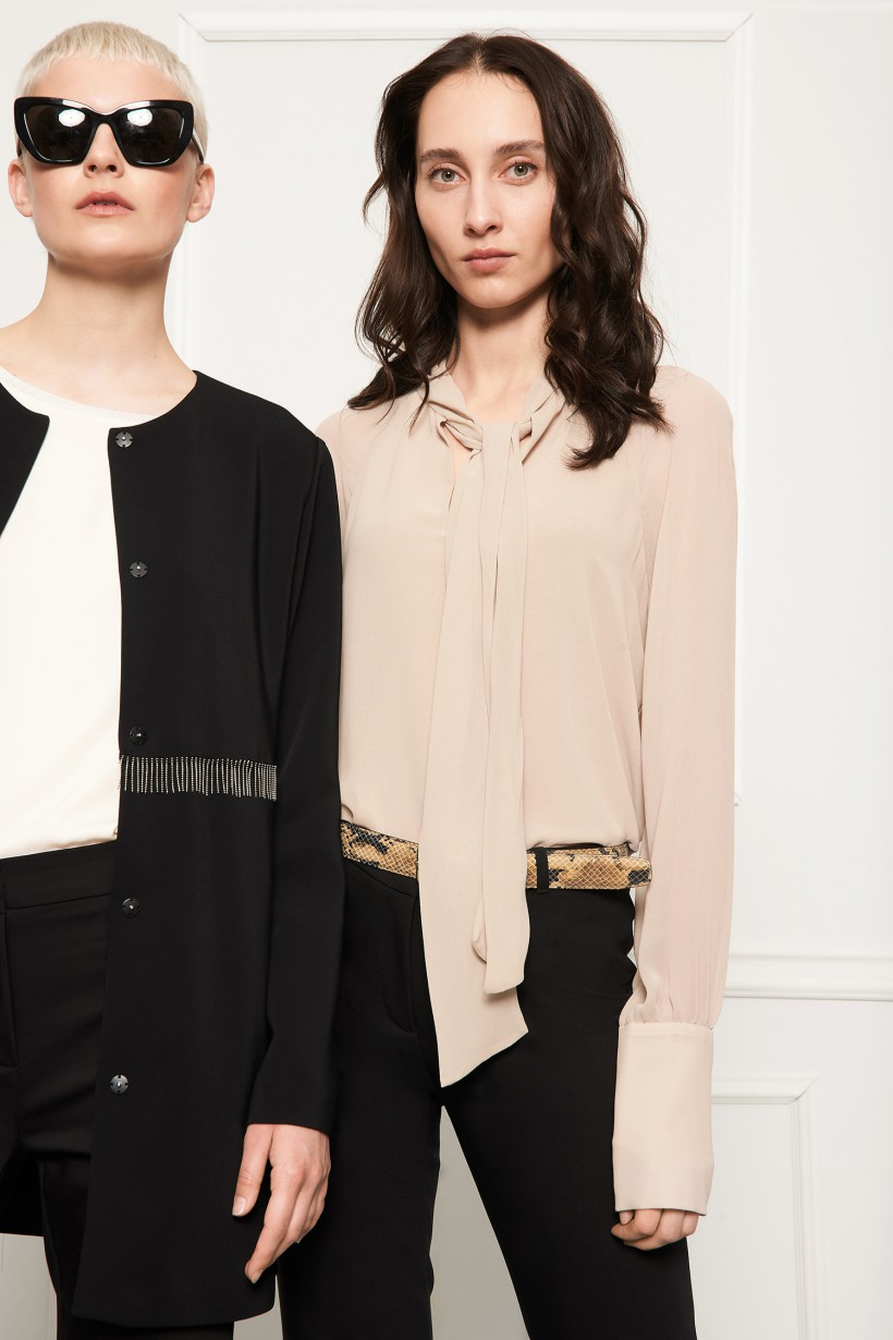 Elegancka bluzka z szarfą