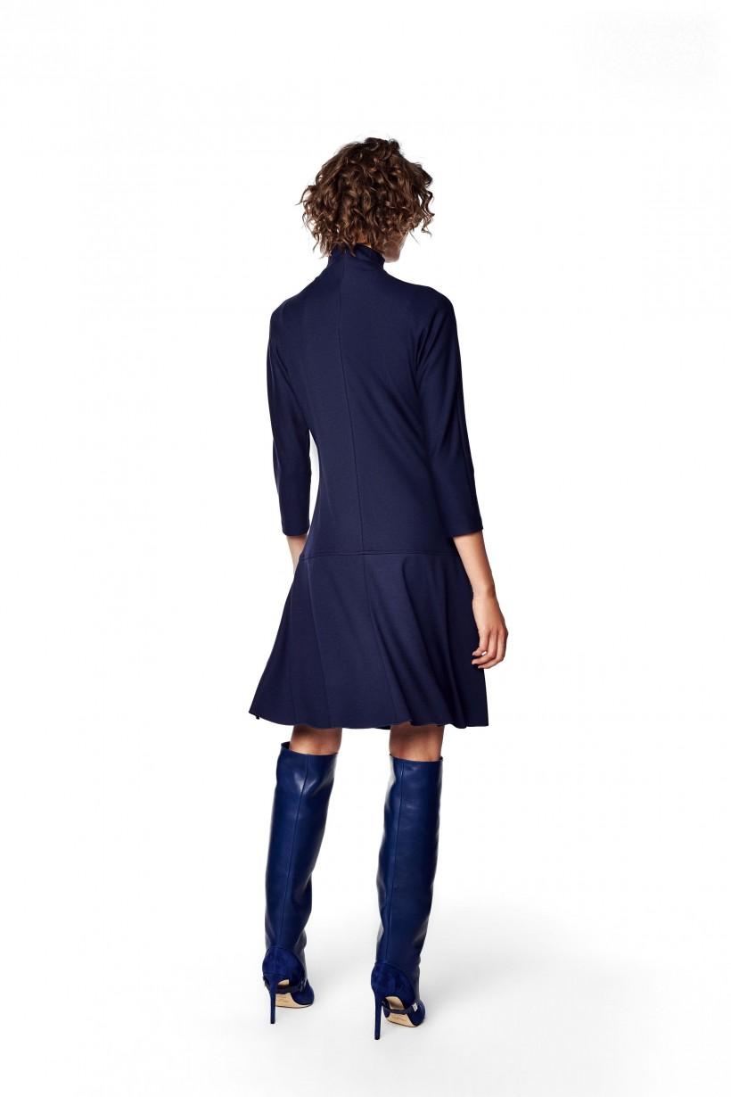 Sukienka z odcinanym dołem
