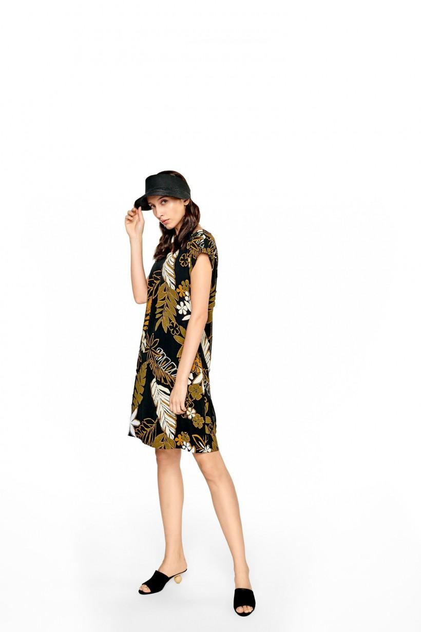 Luźna sukienka z nadrukiem