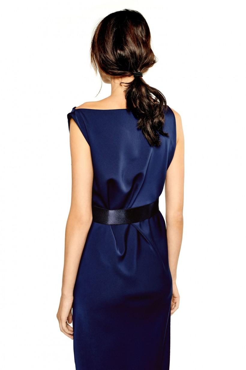 Wieczorowa sukienka z satynowej tkaniny