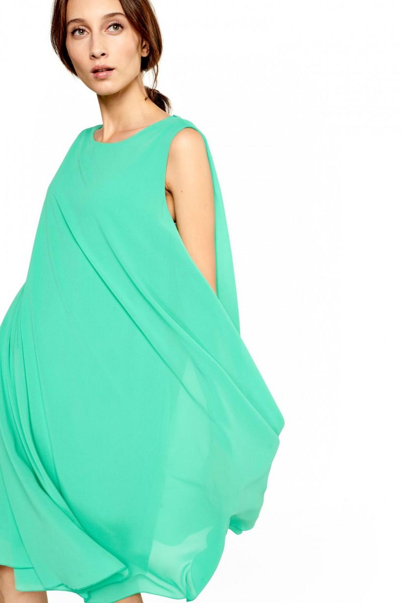 Zwiewna sukienka w kolorze turkusowej zieleni