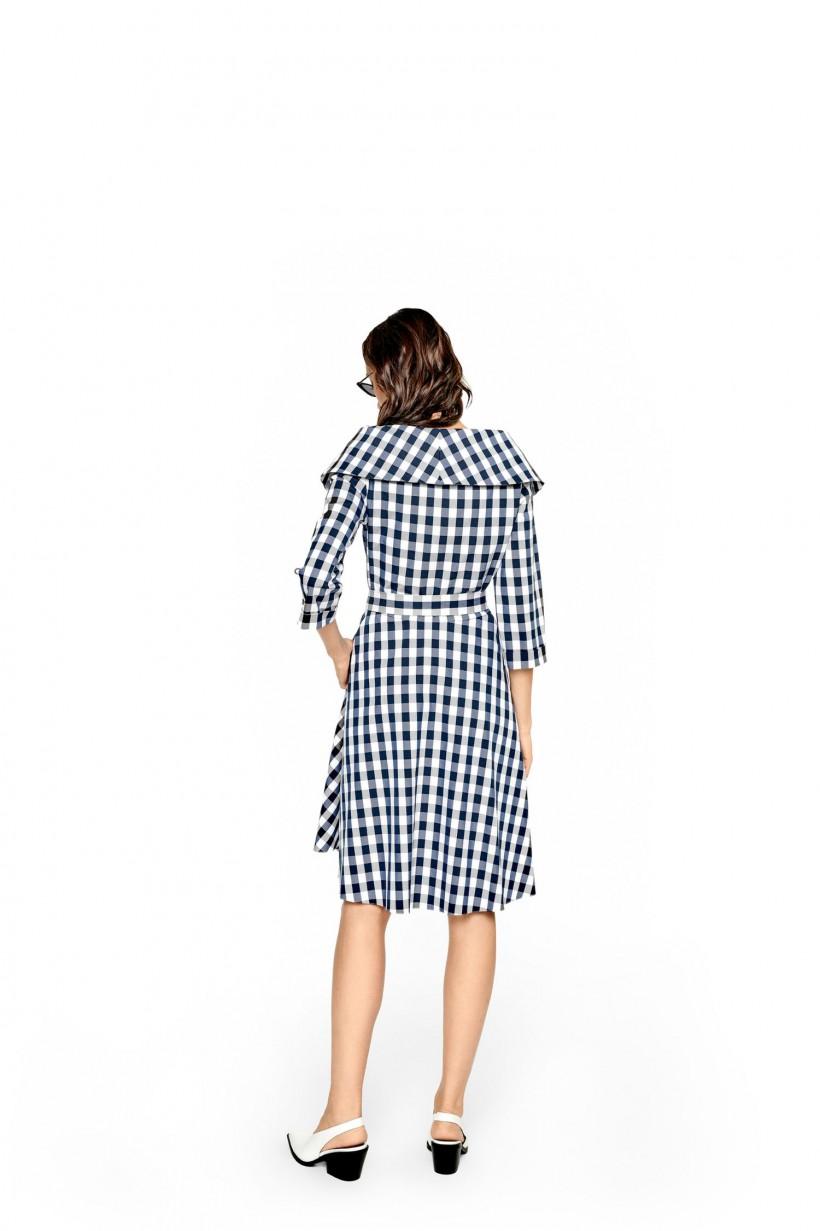 Sukienka z rozkloszowanym dołem
