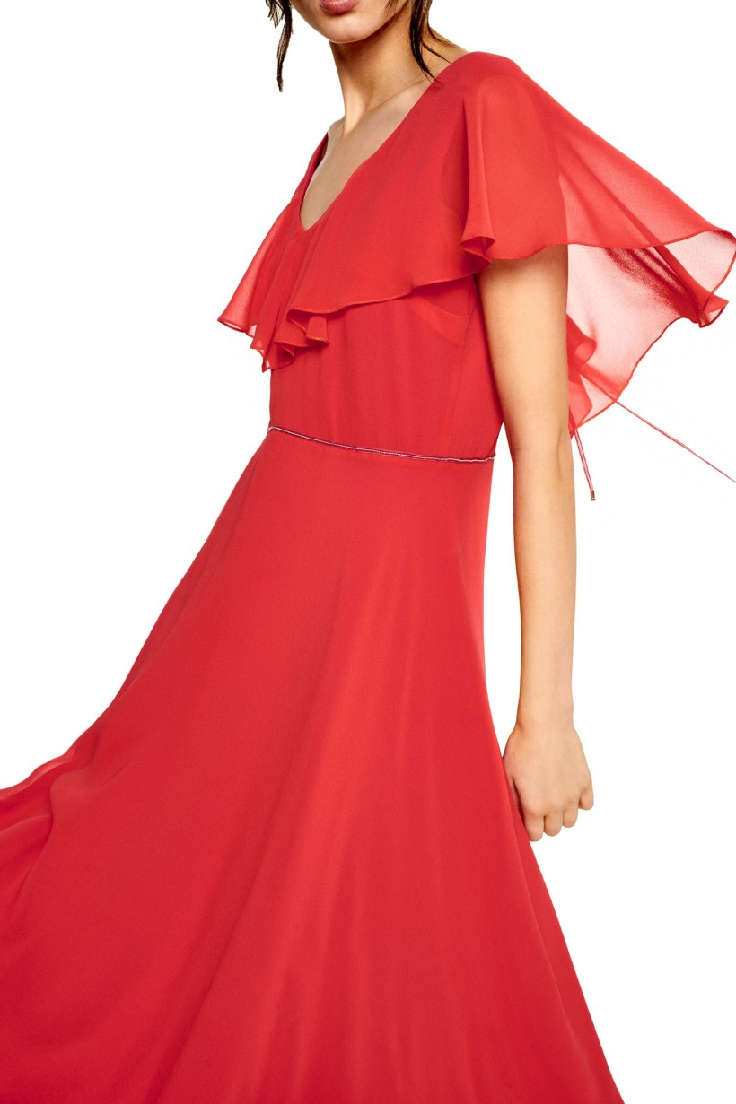 Wieczorowa sukienka w kolorze malinowym