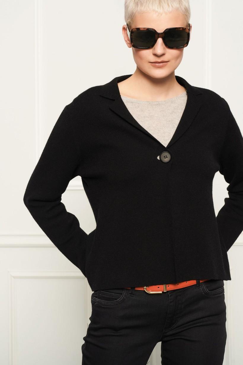 Czarny zapinany sweter