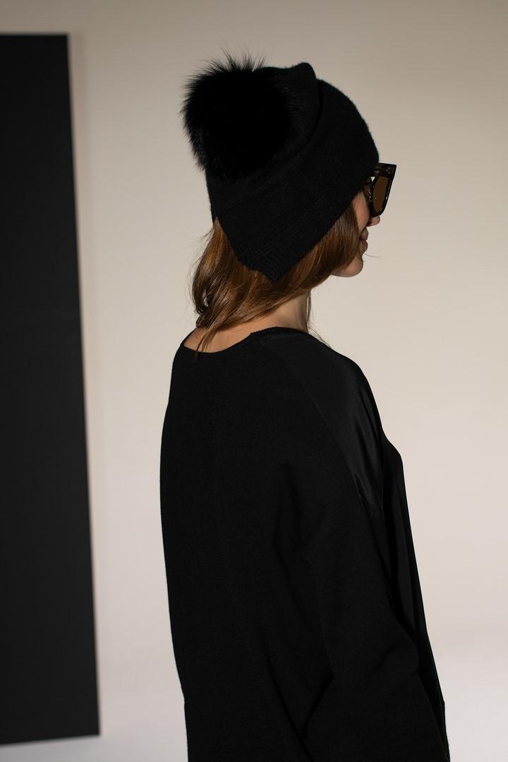 Czarna czapka kaszmirowa