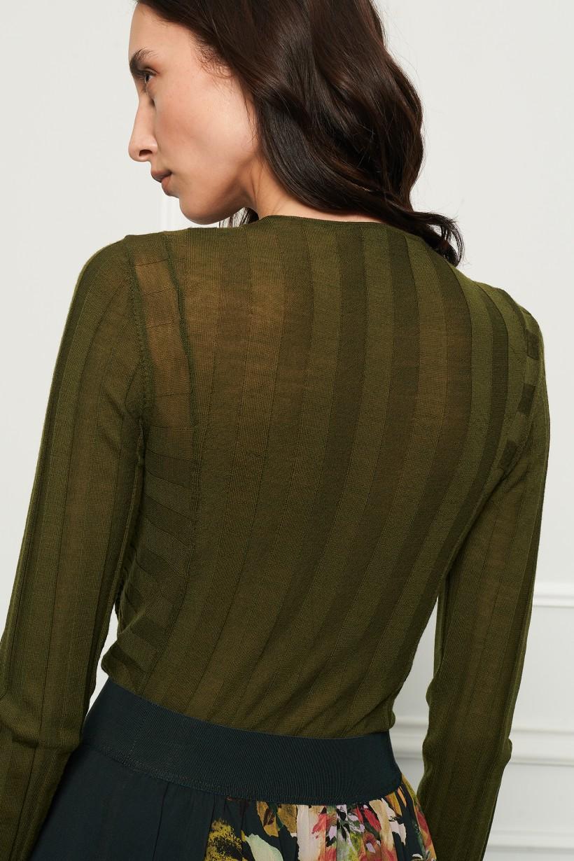 Wełniany sweter w kolorze khaki