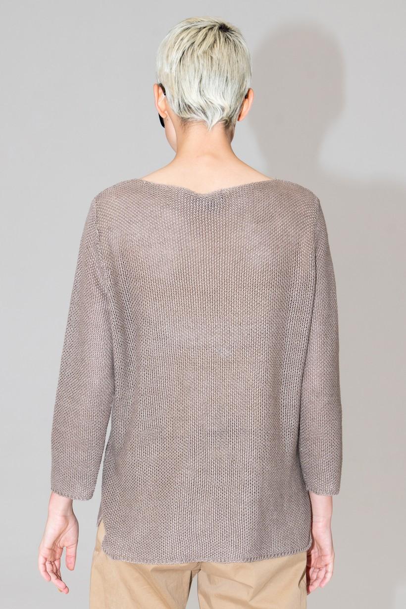 Swobodny sweter w kolorze brązowym