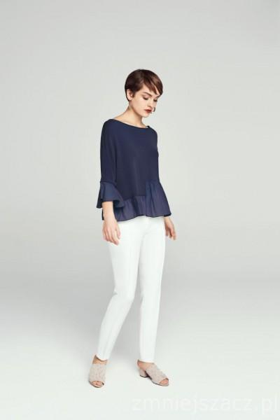 Bawełniany sweter z asymetryczną baskinką