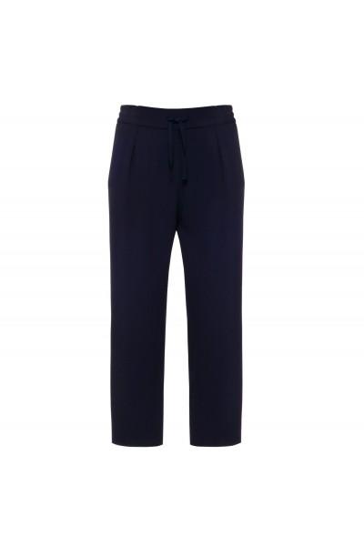 Granatowe spodnie z zaszewkami