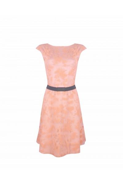 Sukienka z kontrastowym paskiem