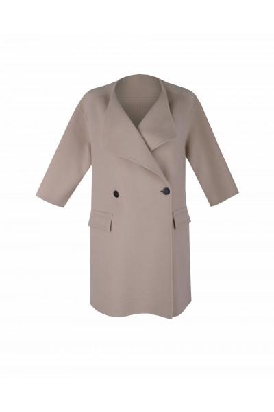 Wełniany płaszcz z patkami i paskiem na tyle