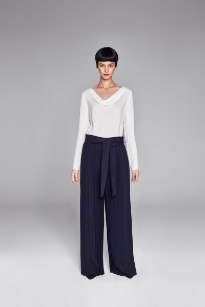 Spodnie z plisowanej tkaniny