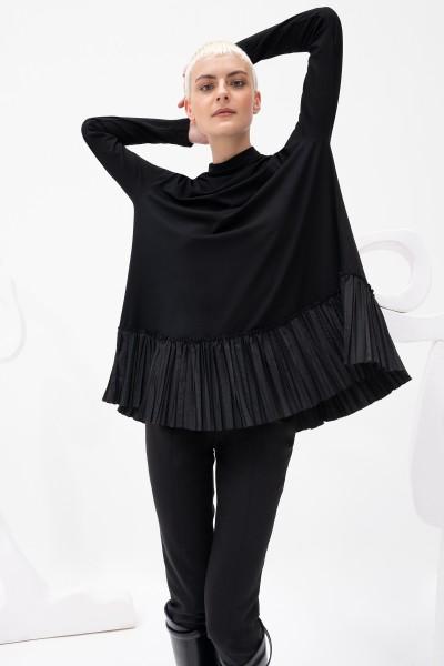 Bluzka z plisowanym dołem w kolorze czerni