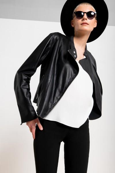 Skórzana kurtka w kolorze czarnym z asymetrycznym zapięciem