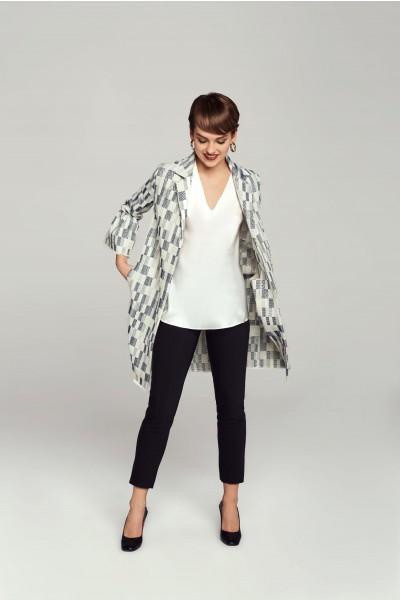 Żakardowy płaszcz w geometryczny wzór