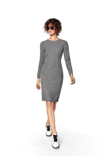 Ołówkowa sukienka w pepitkę