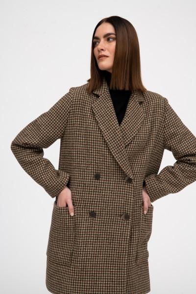 Dwurzędowy płaszcz z wełny w odcieniach brązu