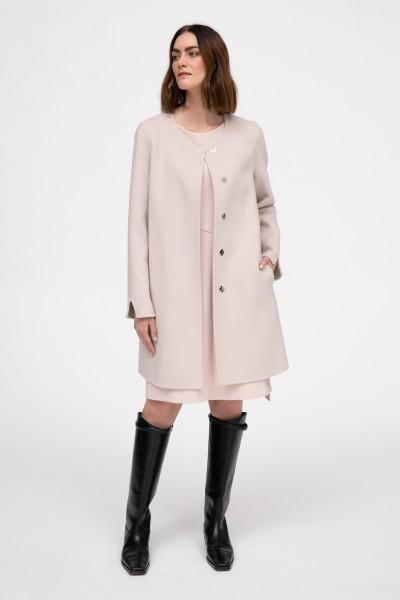 Ręcznie szyty płaszcz w kolorze szaroróżowym