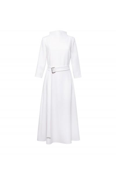 Elegancka sukienka lekko rozkloszowana w kolorze ecru