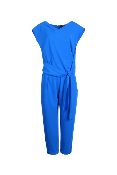 Kombinezon w niebieskim kolorze