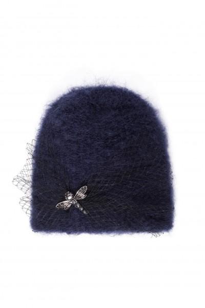 Moherowa czapka w kolorze granatowym z ozdobą