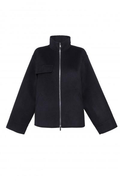 Wełniana ręcznie szyta kurtka w kolorze czarnym z jedwabiem