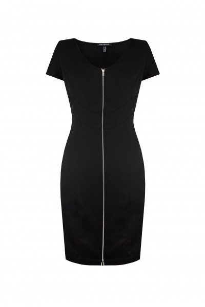 Czarna sukienka z bawełny podkreślająca figurę