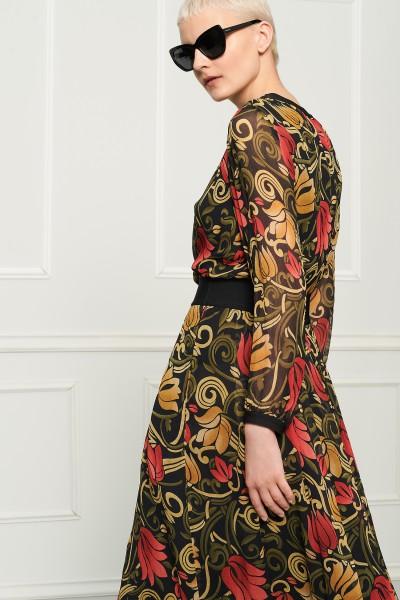 Suknia w kwiaty z kreponu